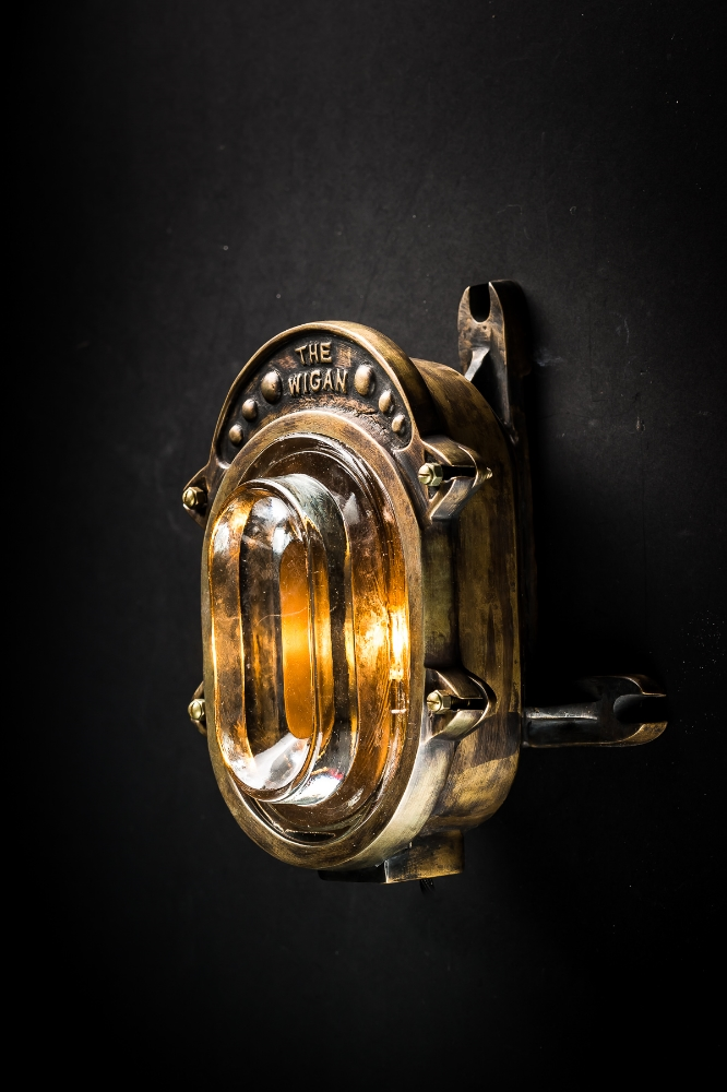 Wigan Bronze Wall Light 03.jpg
