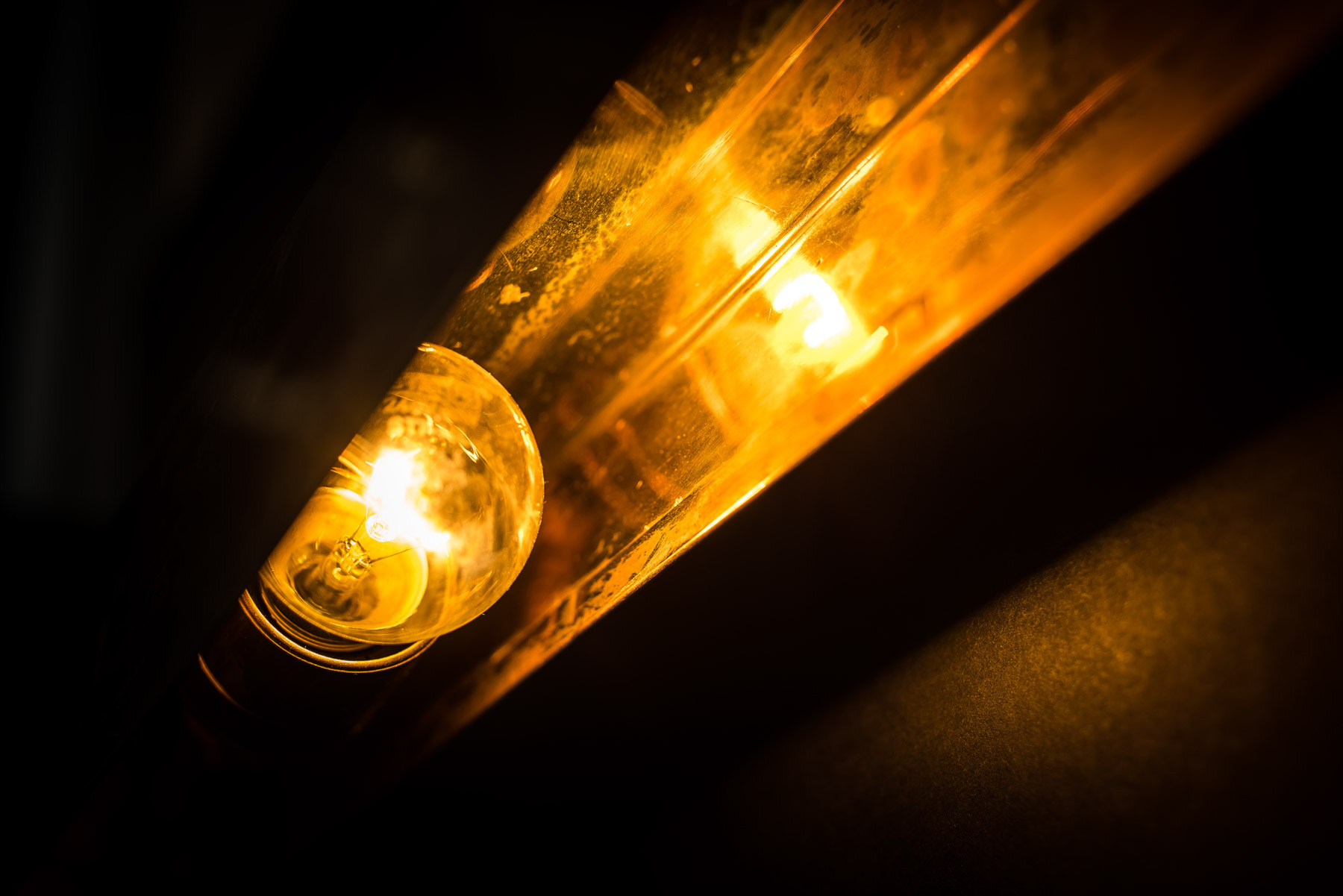 Metre long brass wall light 07.jpg