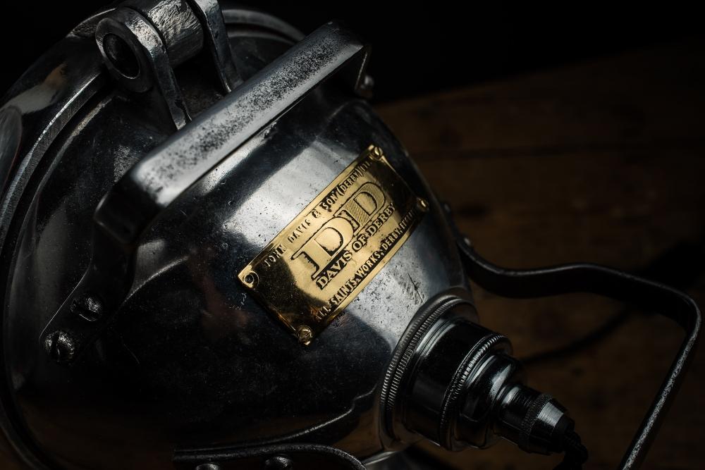 Vintage engine searchlight 08.jpg