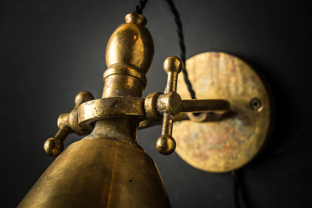 ADJUSTABLE_AGED_BRASS_WALL_LIGHT_05.jpg