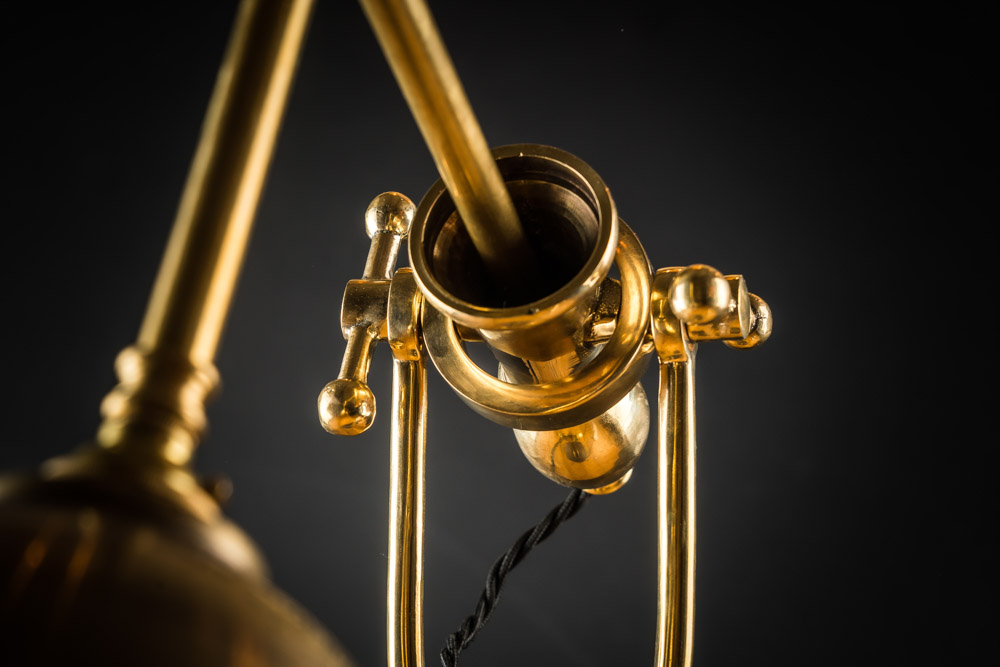 CAST_IRON_AND_BRASS_DESK_LAMP_05.jpg