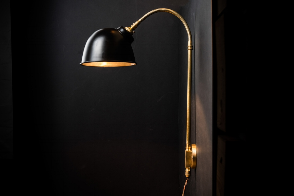 black and brass adjustable wall light09.jpg