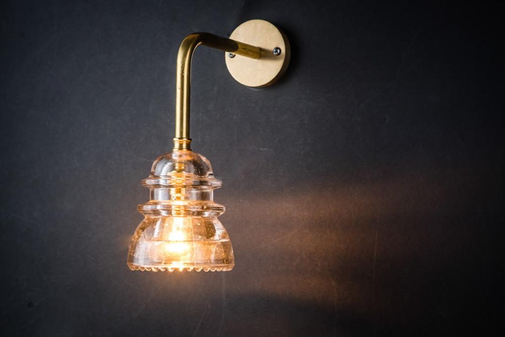 Brass armed insulator glass wall light03.jpg