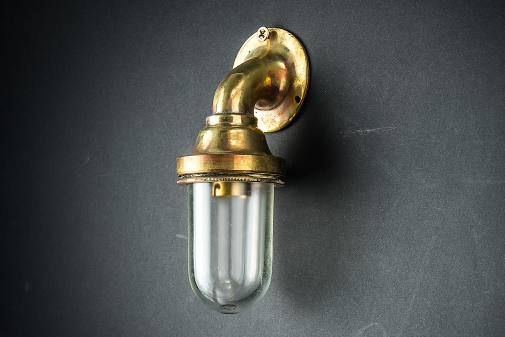 miniature bulkhead light01.jpg