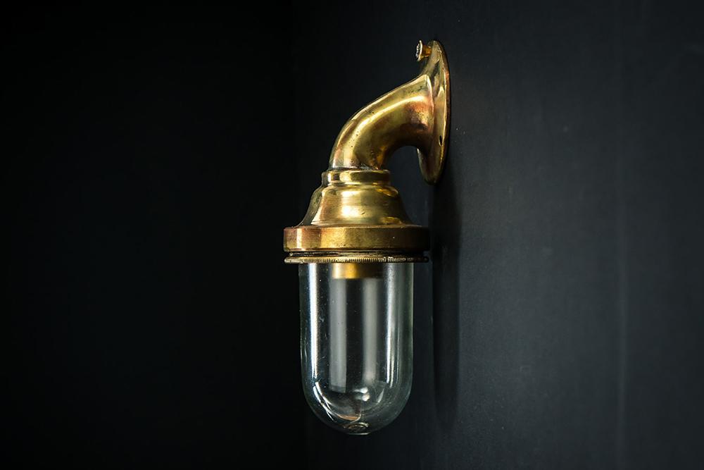 miniature bulkhead light02.jpg