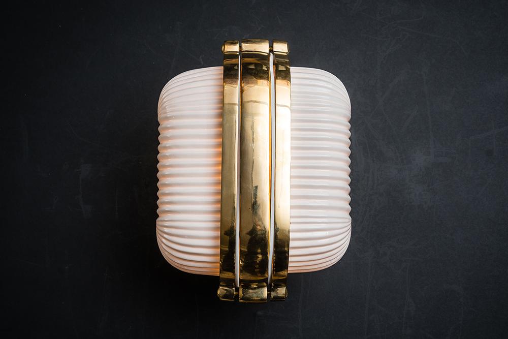 Henley brass and bone china wall light 03.jpg