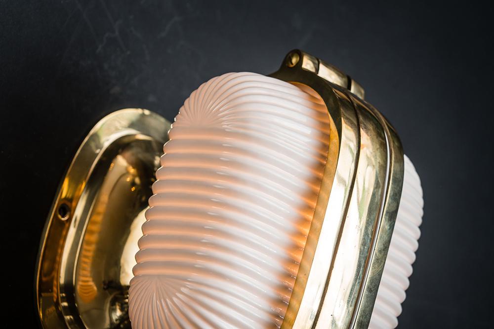 Henley brass and bone china wall light 04.jpg