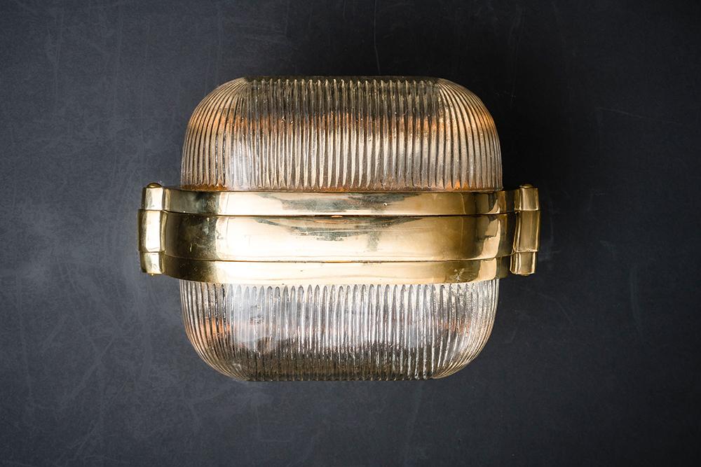 Henley brass and prismatic glass wall light 05.jpg