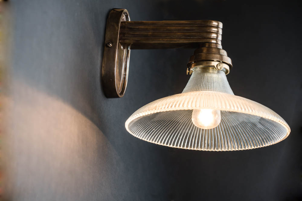 art deco fluted holophane wall light 01.jpg