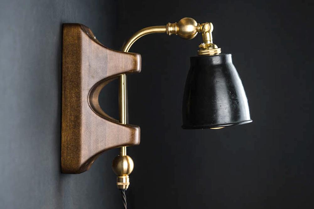 chester wall light 02.jpg