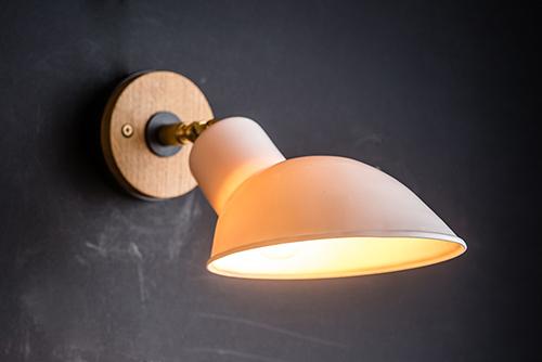 oak brass and bone china wall light 02.jpg