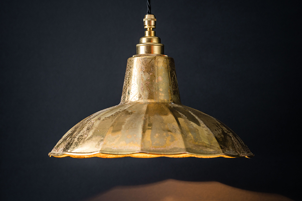 aged brass crimped pendant 01.jpg