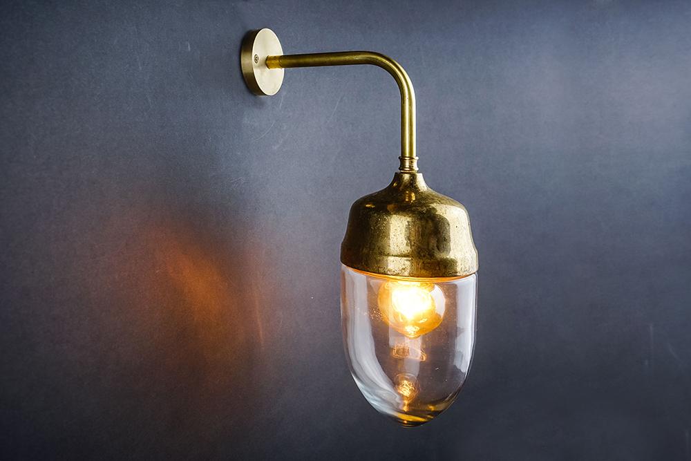 Aged brass and glass teardrop wall light 02.jpg