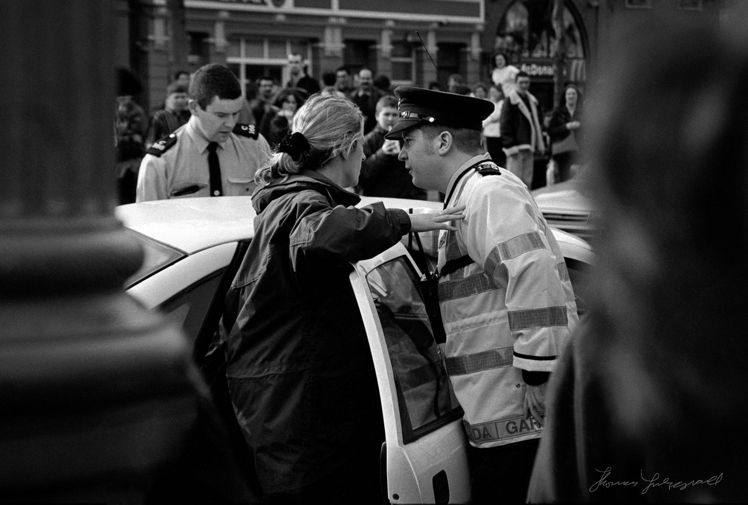 police-and-woman-1.jpg