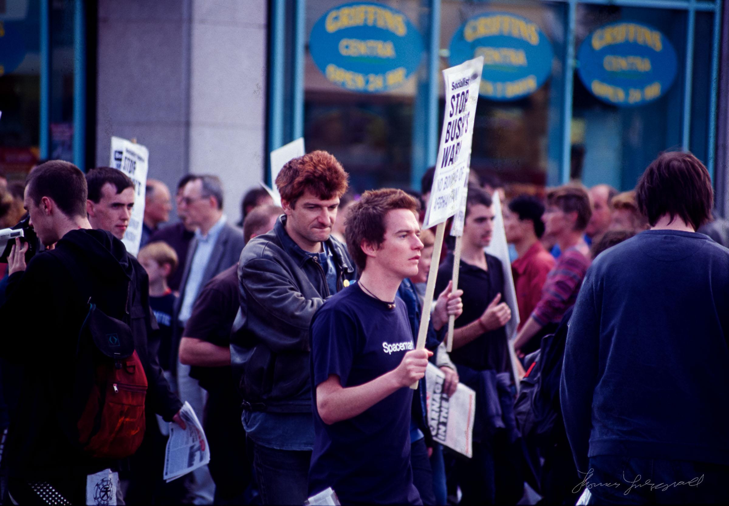war-protest2.jpg