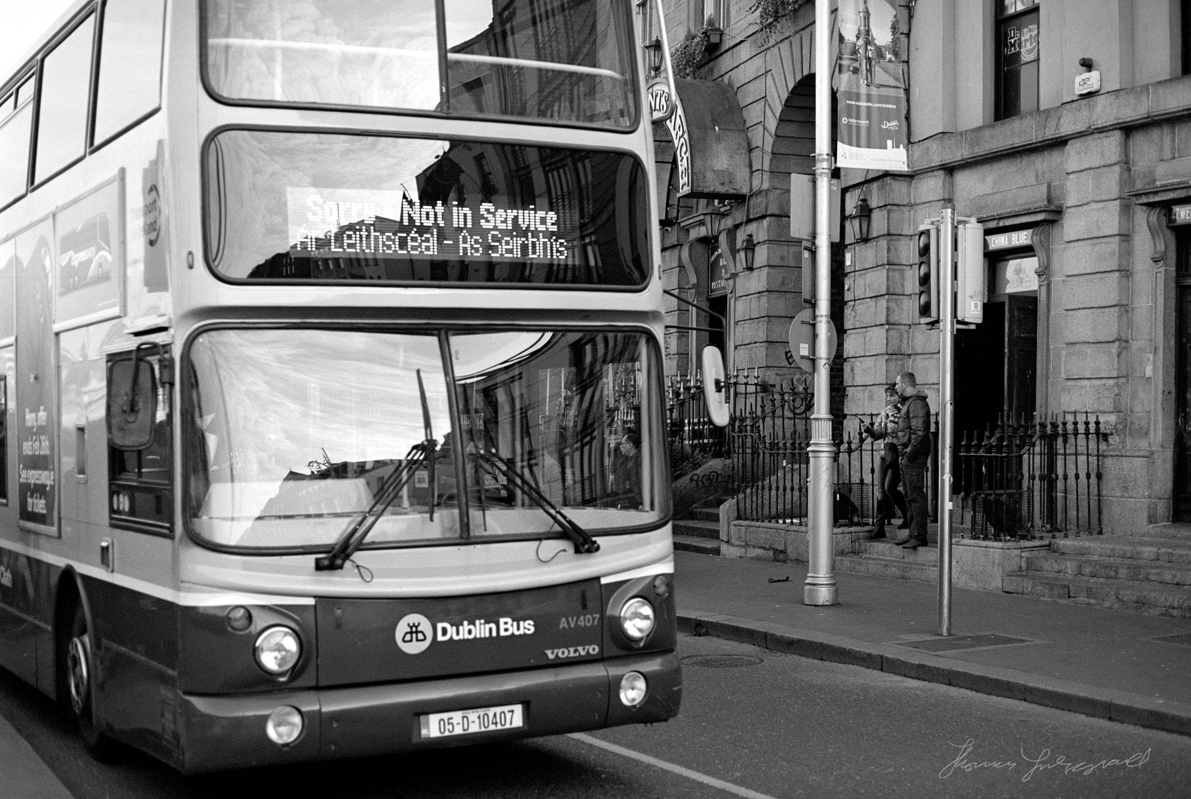 Dublin Bus on the Quays - Dublin on Film - The Streets of Dublin