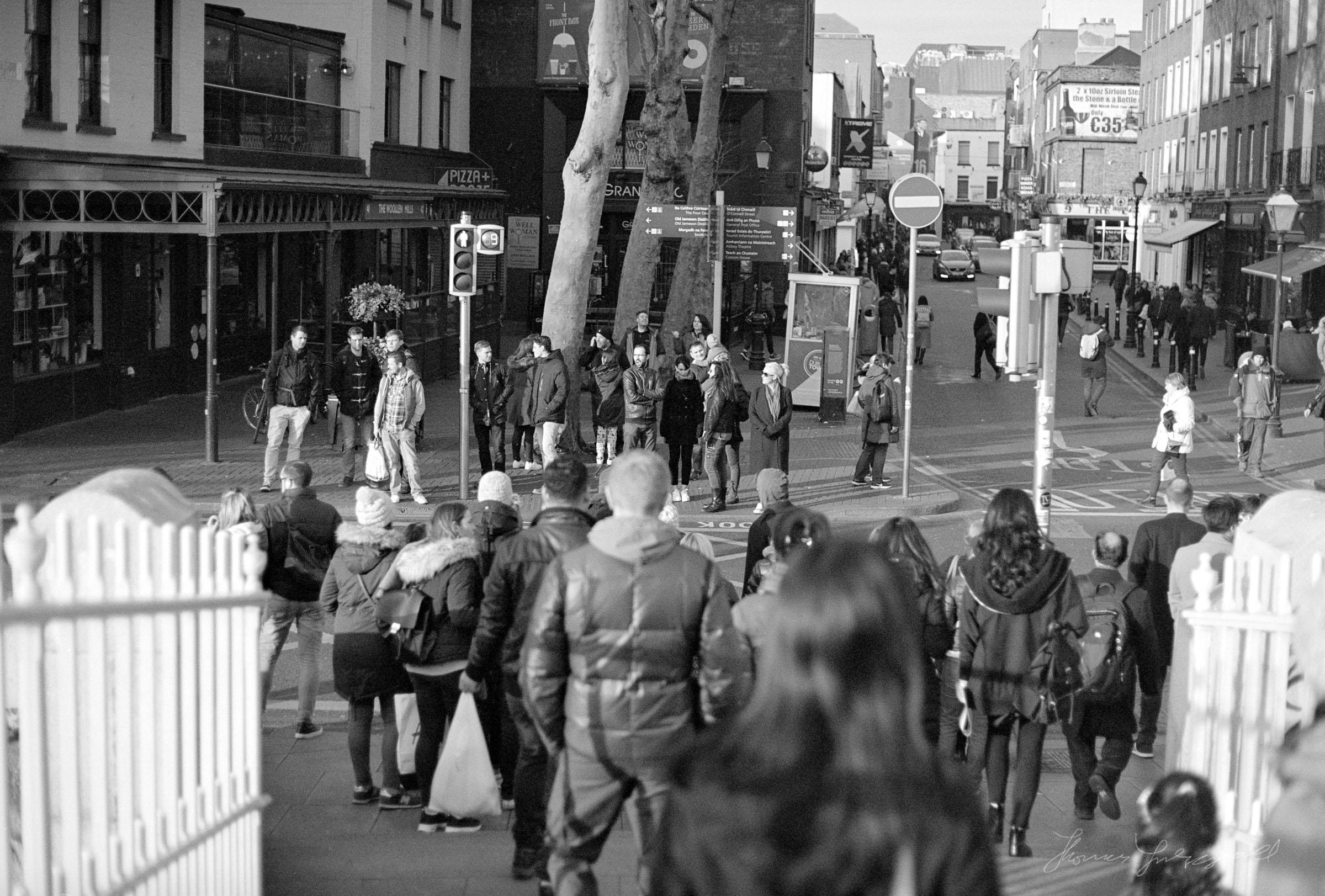 Crossing the road at the Ha'Penny Bridge - Dublin on Film - The Streets of Dublin