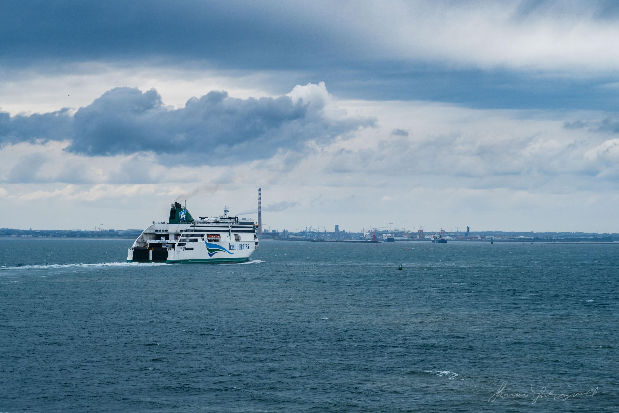 Irish Ferries Ulysees approaching Dublin Port