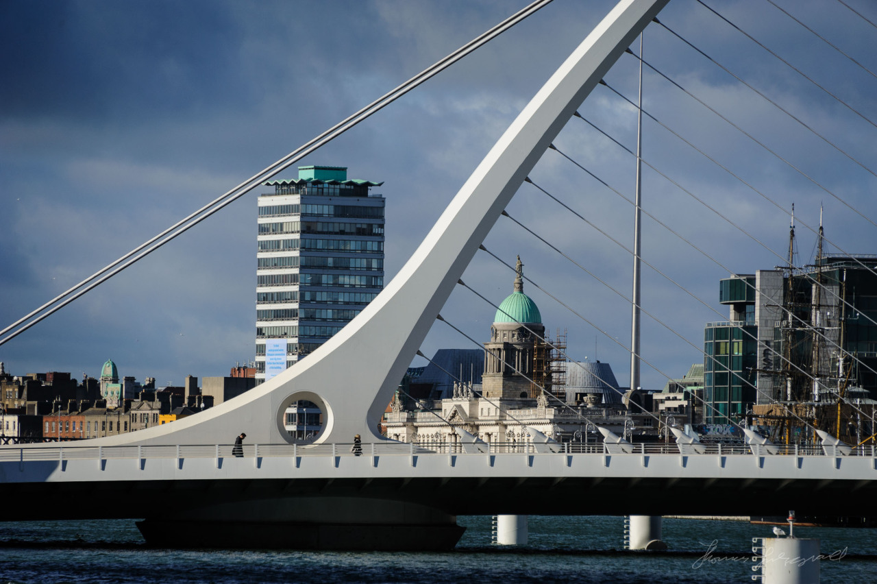 Beckett Bridge looking lovely in the sunshine