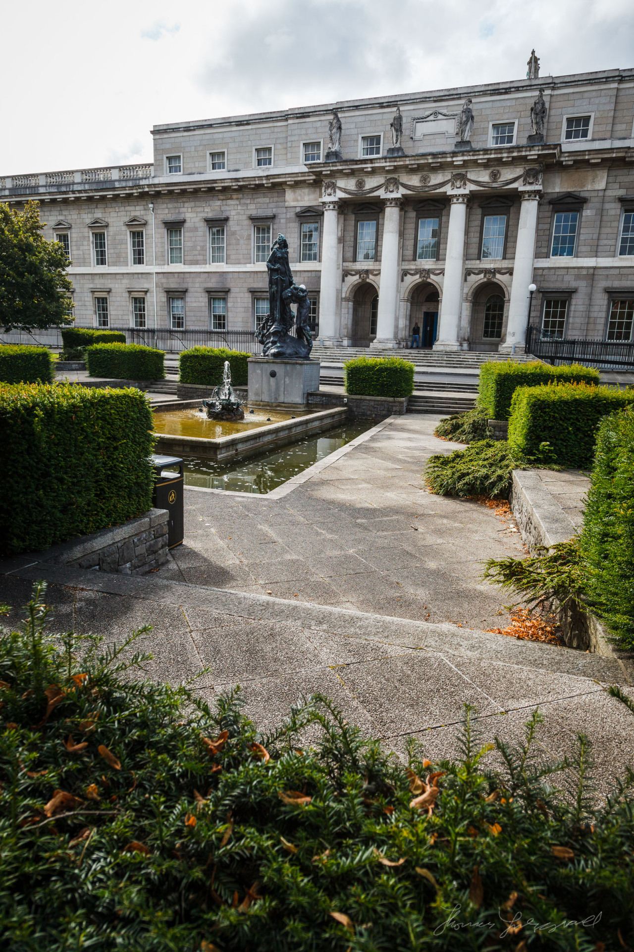 The lovely gardens at the Customs House