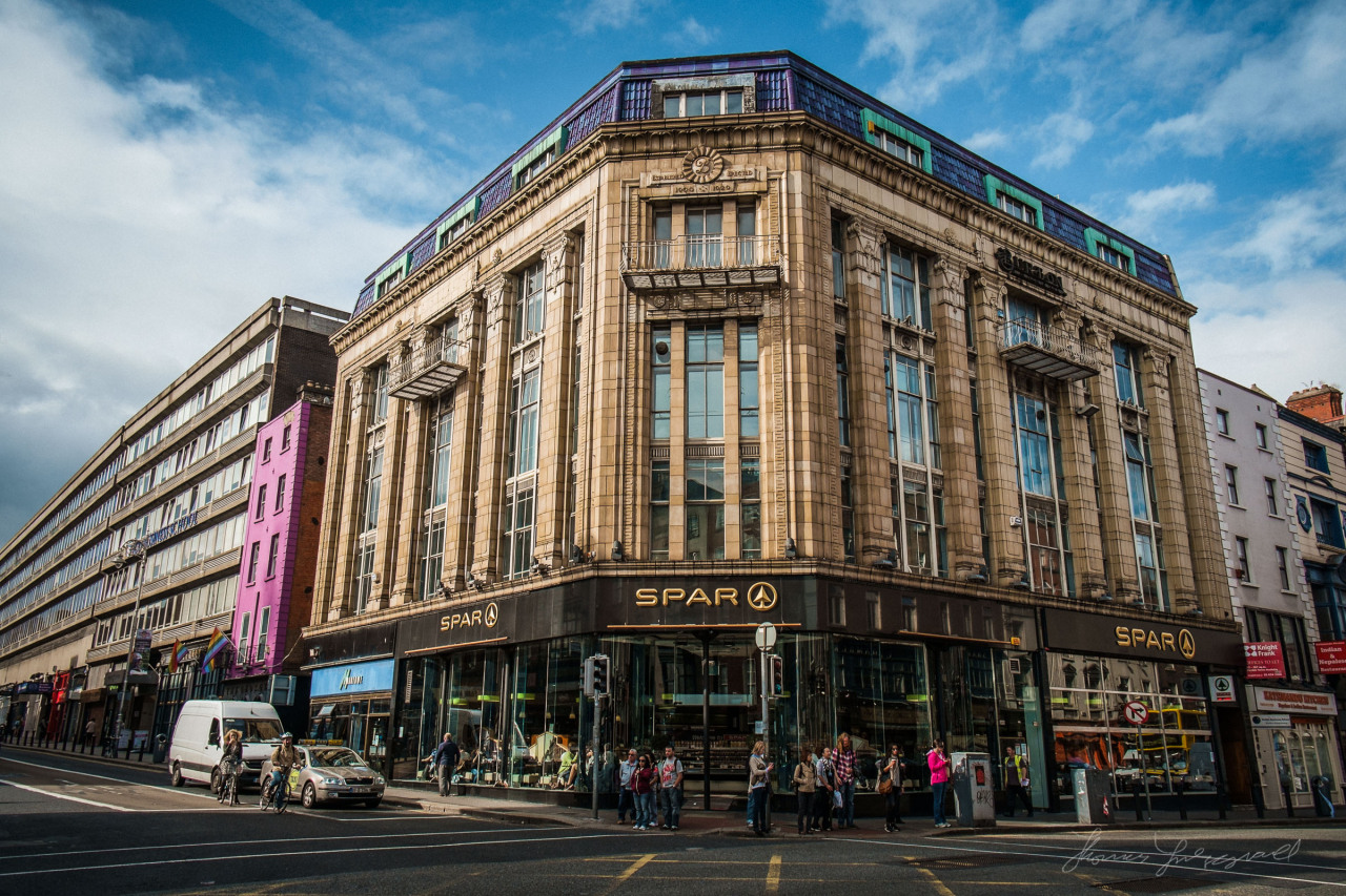 Beautiful building at the intersection of George's Street and Dame Street