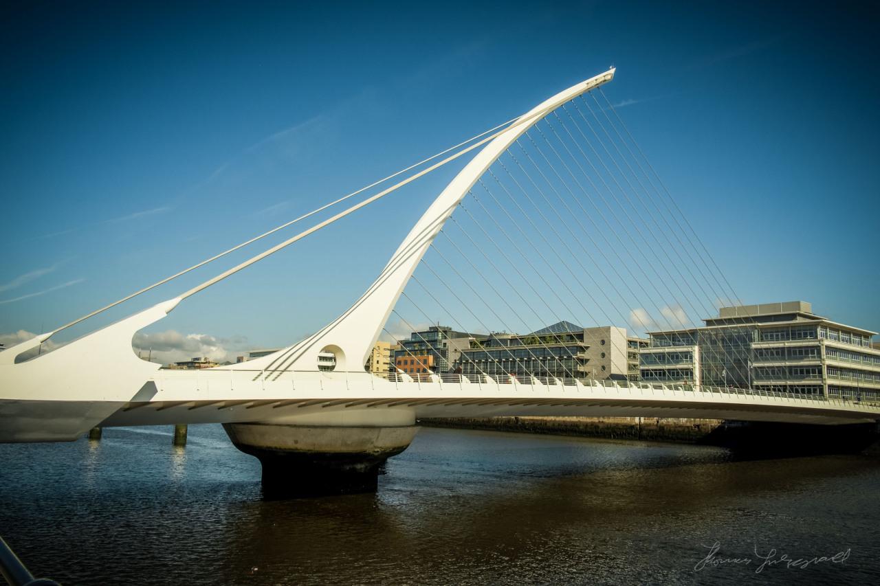 The Beckett Bridge in lovely sunshine