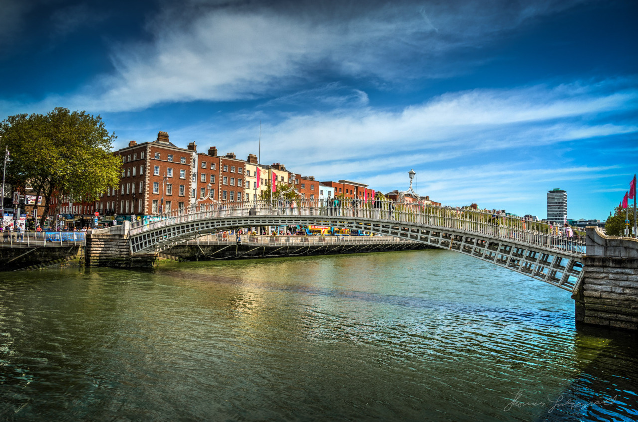 Yet another Ha'Penny Bridge Shot! And yes, the Liffey was that green.