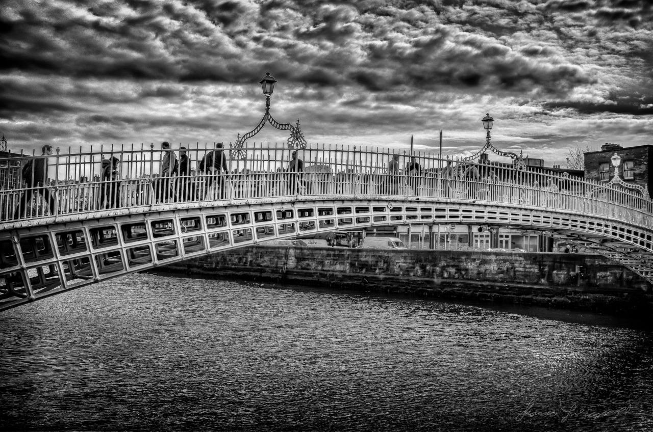 A Moody Ha'penny Bridge over the Liffey