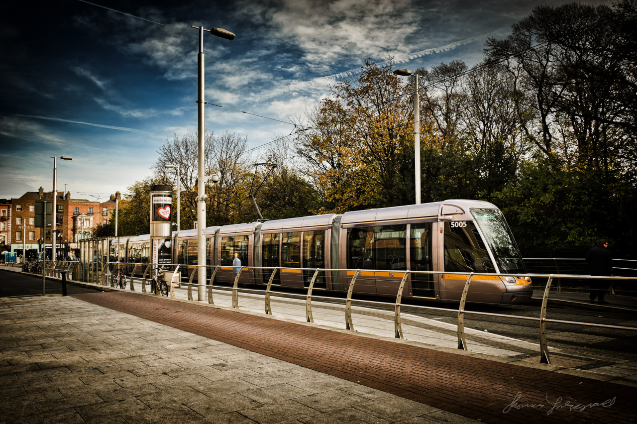 Luas at Stephen's Green