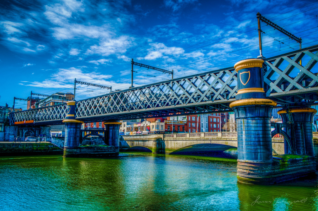 Tara Street Bridge in HDR (and yes, the river was green today!)