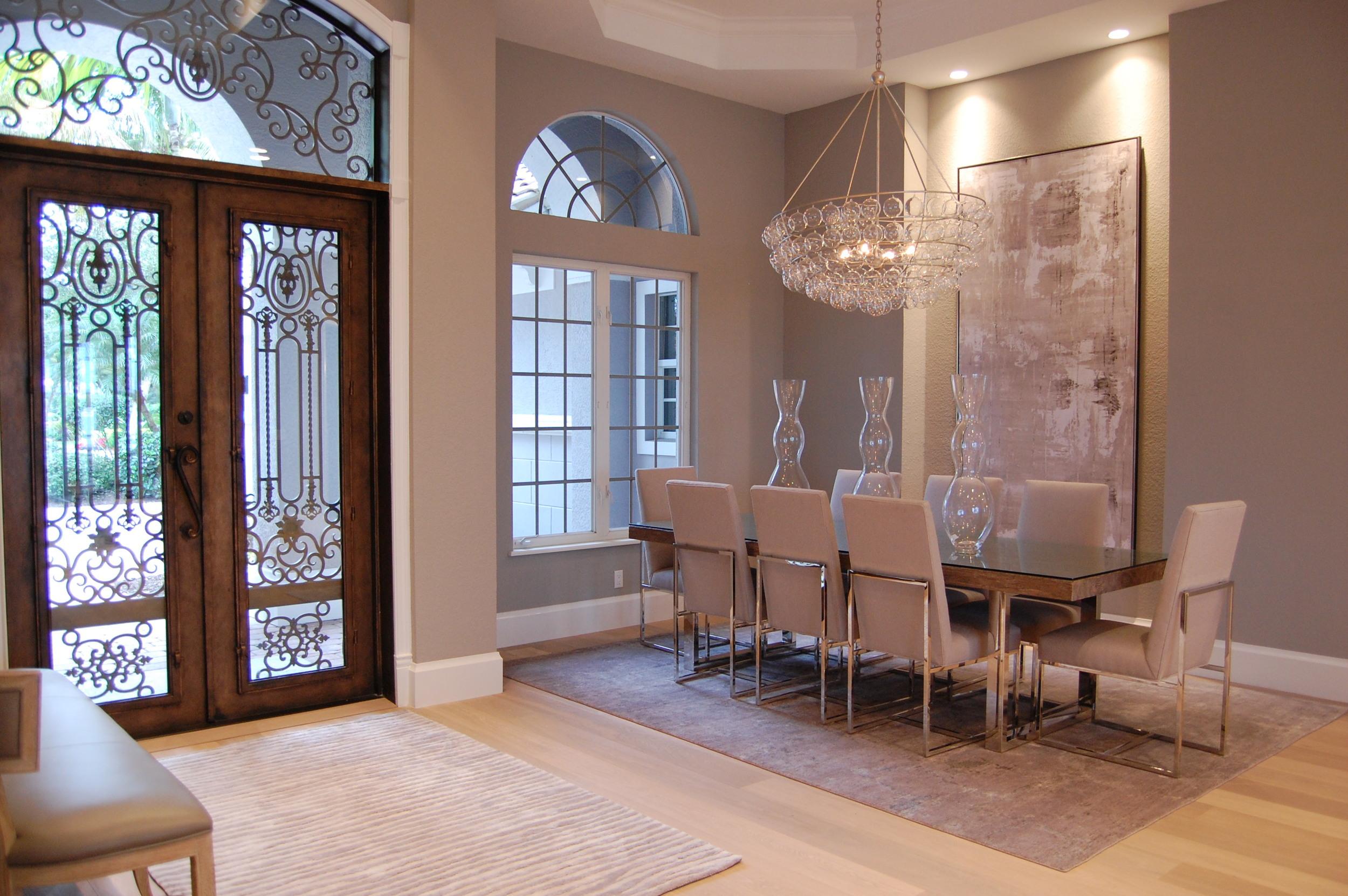 Entrance & Dining 4.JPG