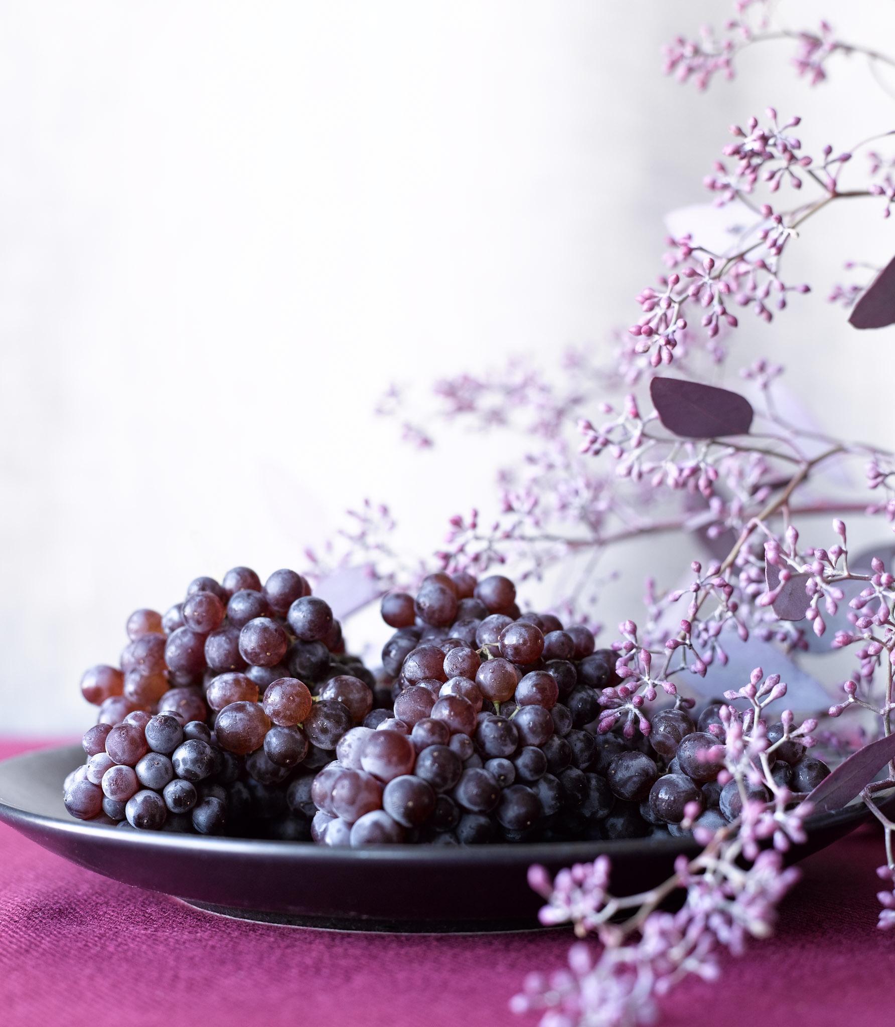 Red_Grapes_Still-Life.jpg