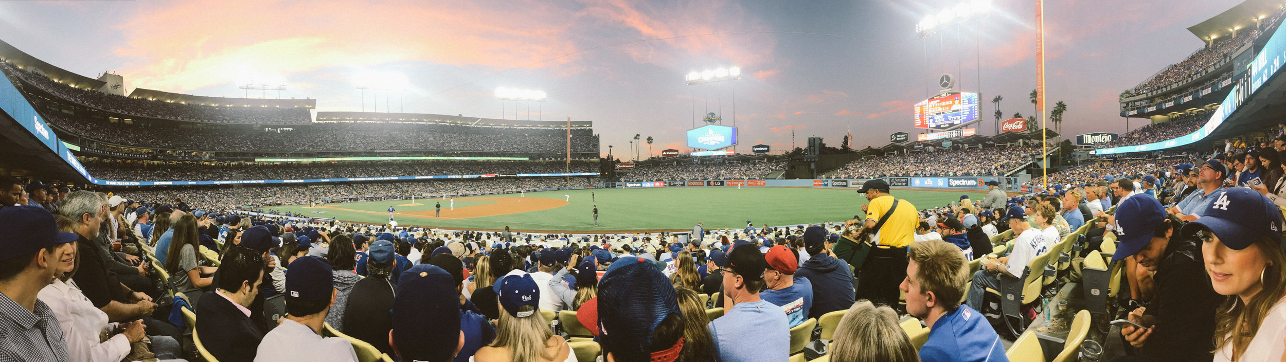 LOS ANGELES: DODGERS GAME