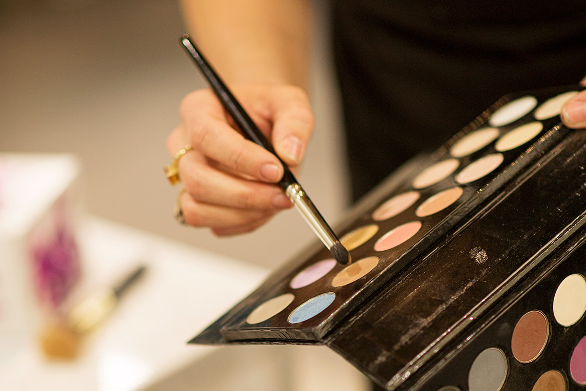Makeup1-1200x800.jpg