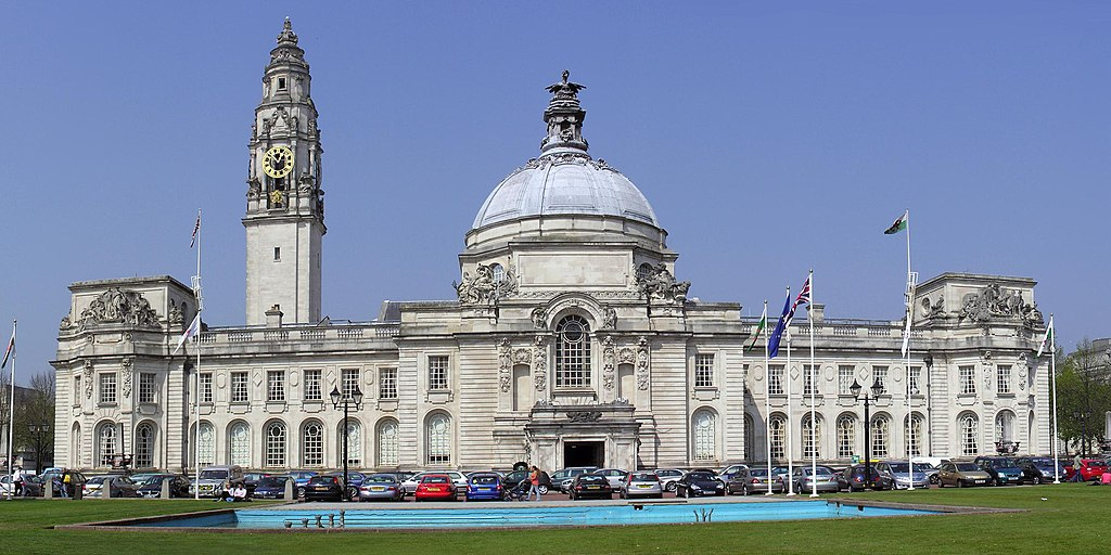 1024px-Cardiff_City_Hall_cropped.jpg