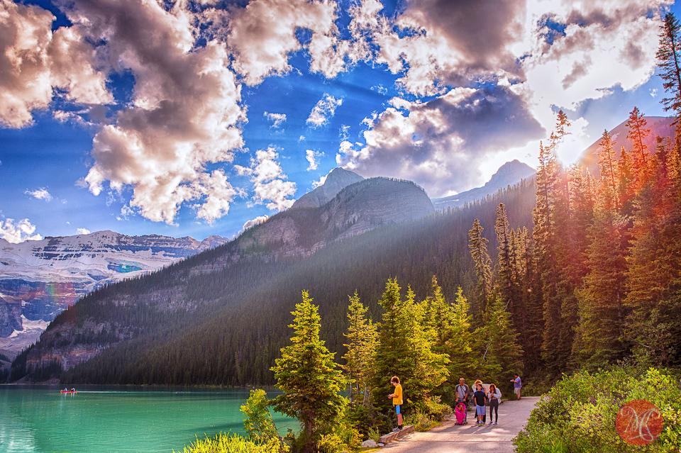 3-canada-alberta-banff-lake-louise-summer-beauty-light-nature-rocky-mountains.jpg