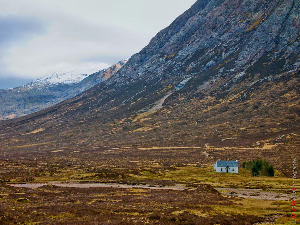 11-scotland-highlands-landscape-mountains-sky-clouds-travel-house.jpg