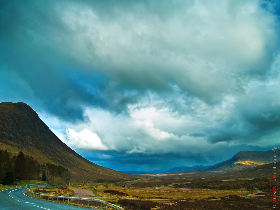 12-scotland-highlands-landscape-mountains-sky-clouds-travel-road.jpg