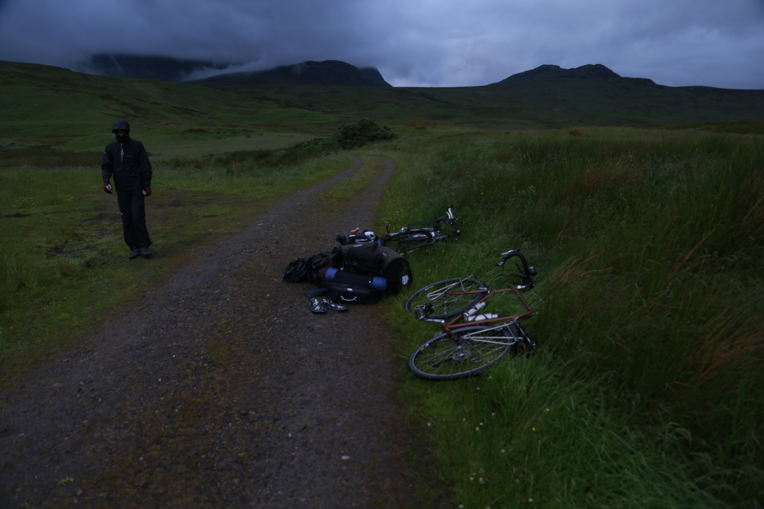 highlands, bikes, bicycle, touring bicycle, midges, scottish midge, tent, camp, wild camping