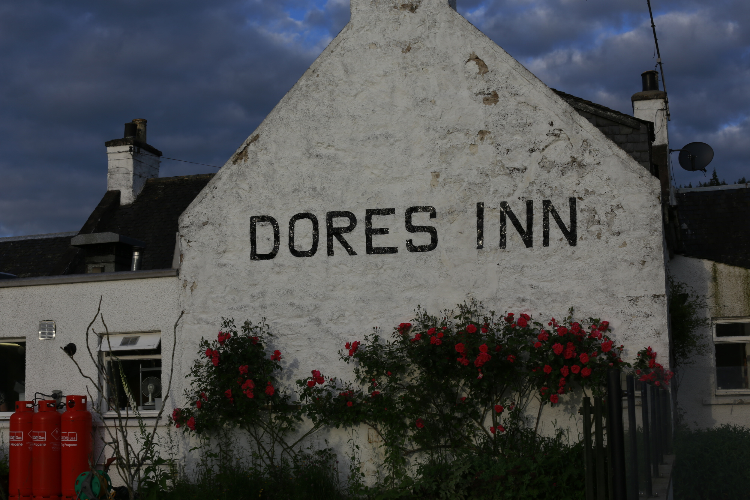 hotel, pub, dores Inn, travel, bicycle touring