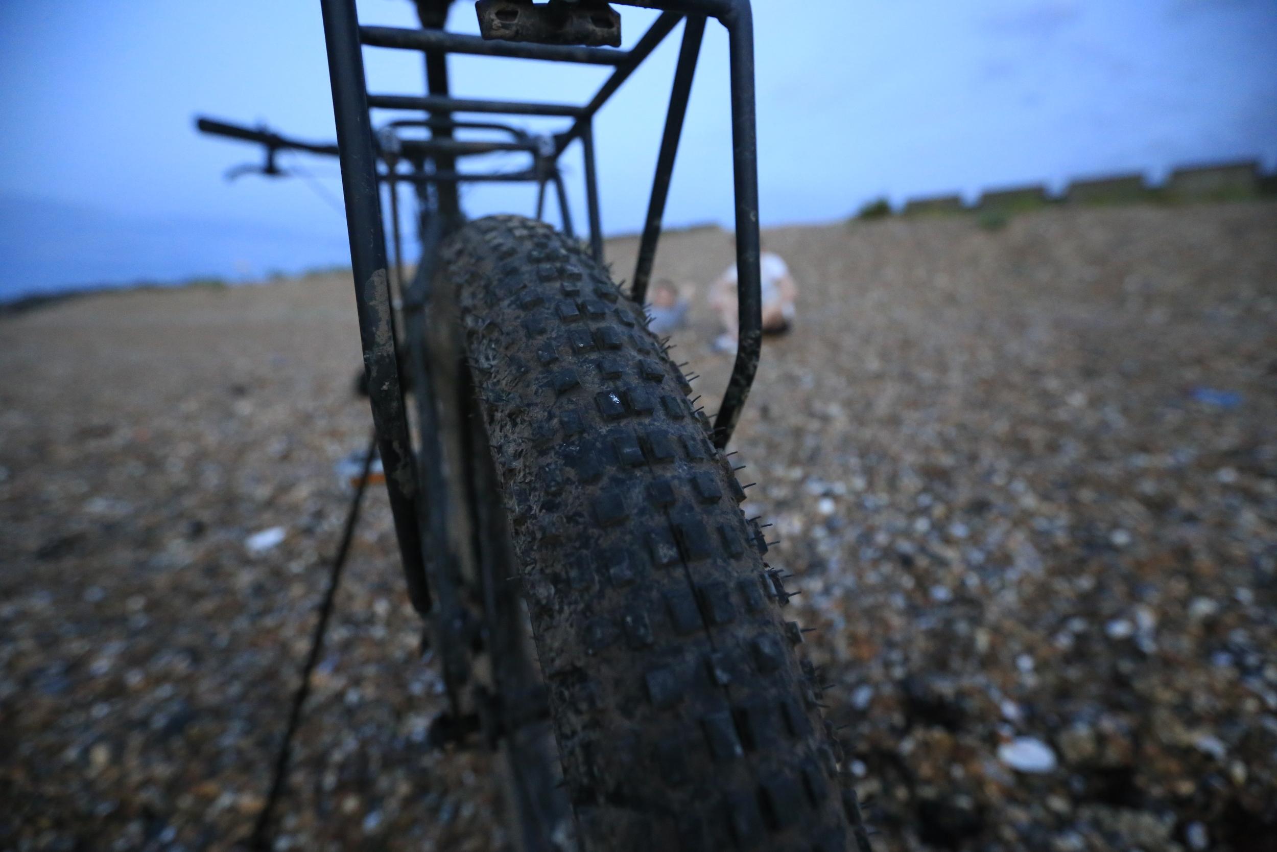 "knards, 29er, knards 3"", 29er, 29 x 3, pannier rack, surly rear rack, jones h bar, surly, surly ecr, jones h bar, klick stand, bikepacking blog, cycle touring"