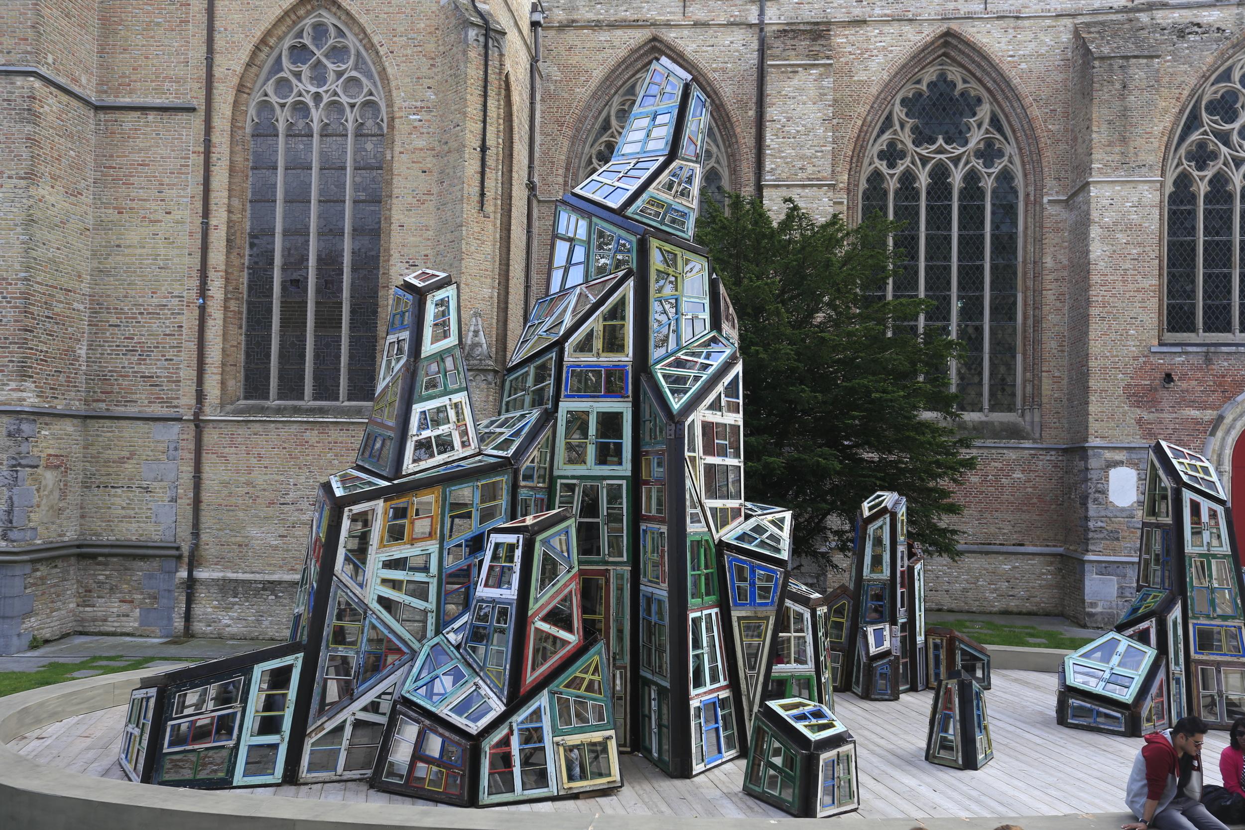 art, modern art, art in bruges, bruges, belgium, street photography, photo, photography blog, bicycle touring apocalypse