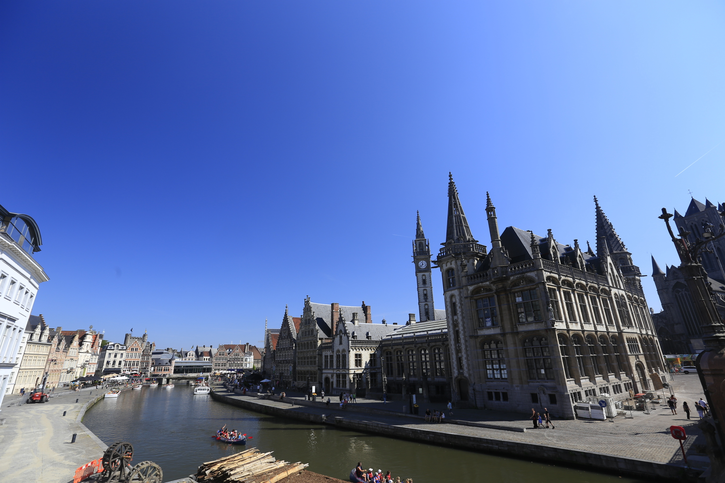 ghent, medieval architecture, canon, canon 16-35mm, 16-35mm, 16-35mm 2.8, photography blog, cycling blog, bikepacking blog, travel photography,