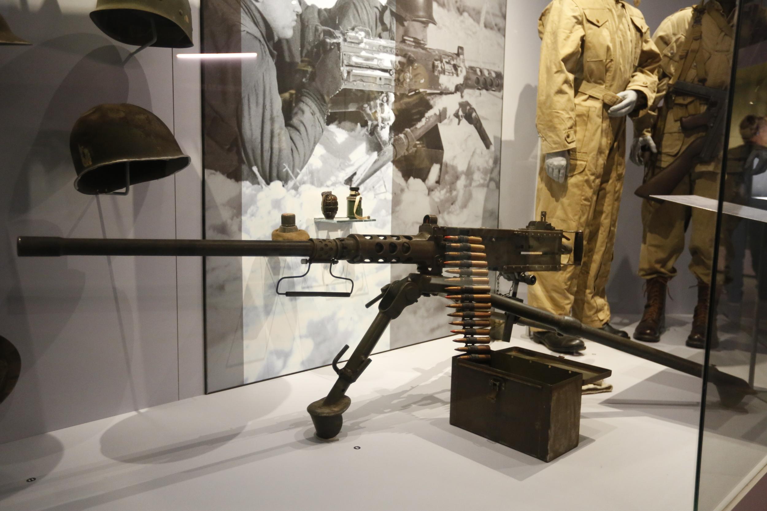 machine gun, heavy duty machine gun, bastogne, bastogne belgium, belgium, war museum, WWII, visit belgium, bicycle touring apocalypse