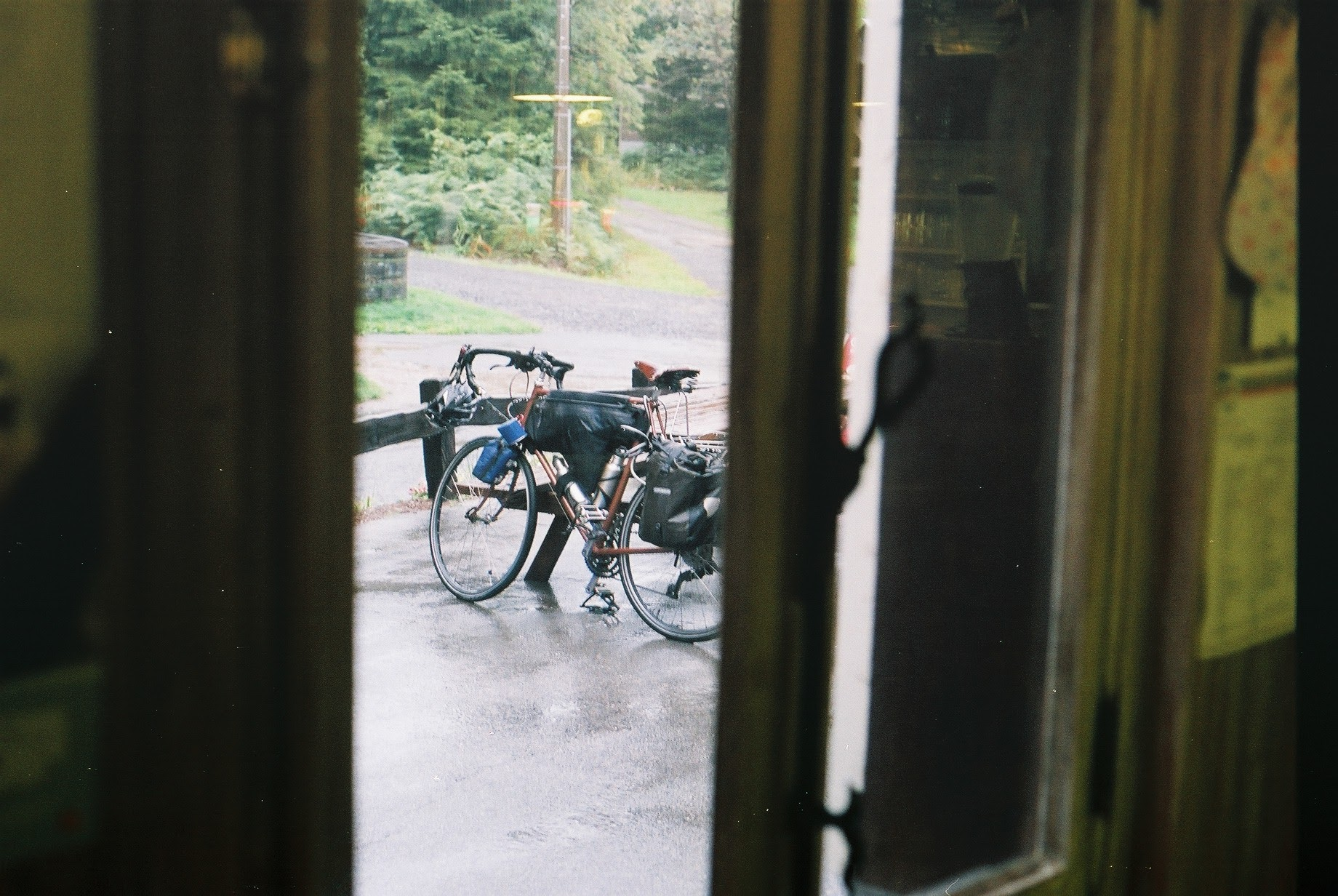 raleigh, raleigh magnum, steel frame, custom tourer, canon, canon ae-1, film camera, 35mm, shoot film, film shooters, tips for shooting in film, no filter travel, travel blog, cycling, cycling blog, bikepacking, bicycle touring apocalypse