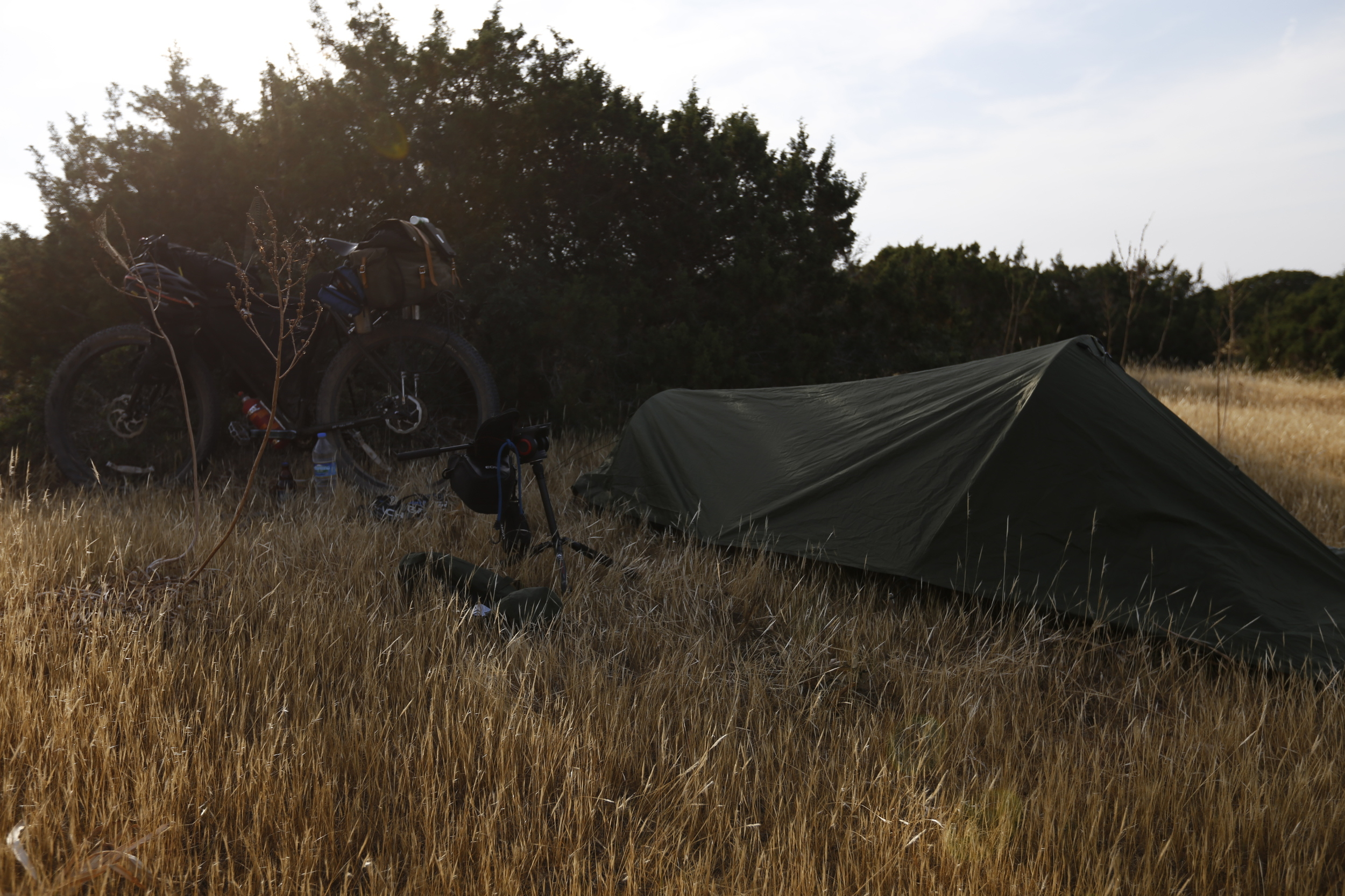 The   Snupak Ionosphere   has superb ventilation, more like a tarp, than a tent.