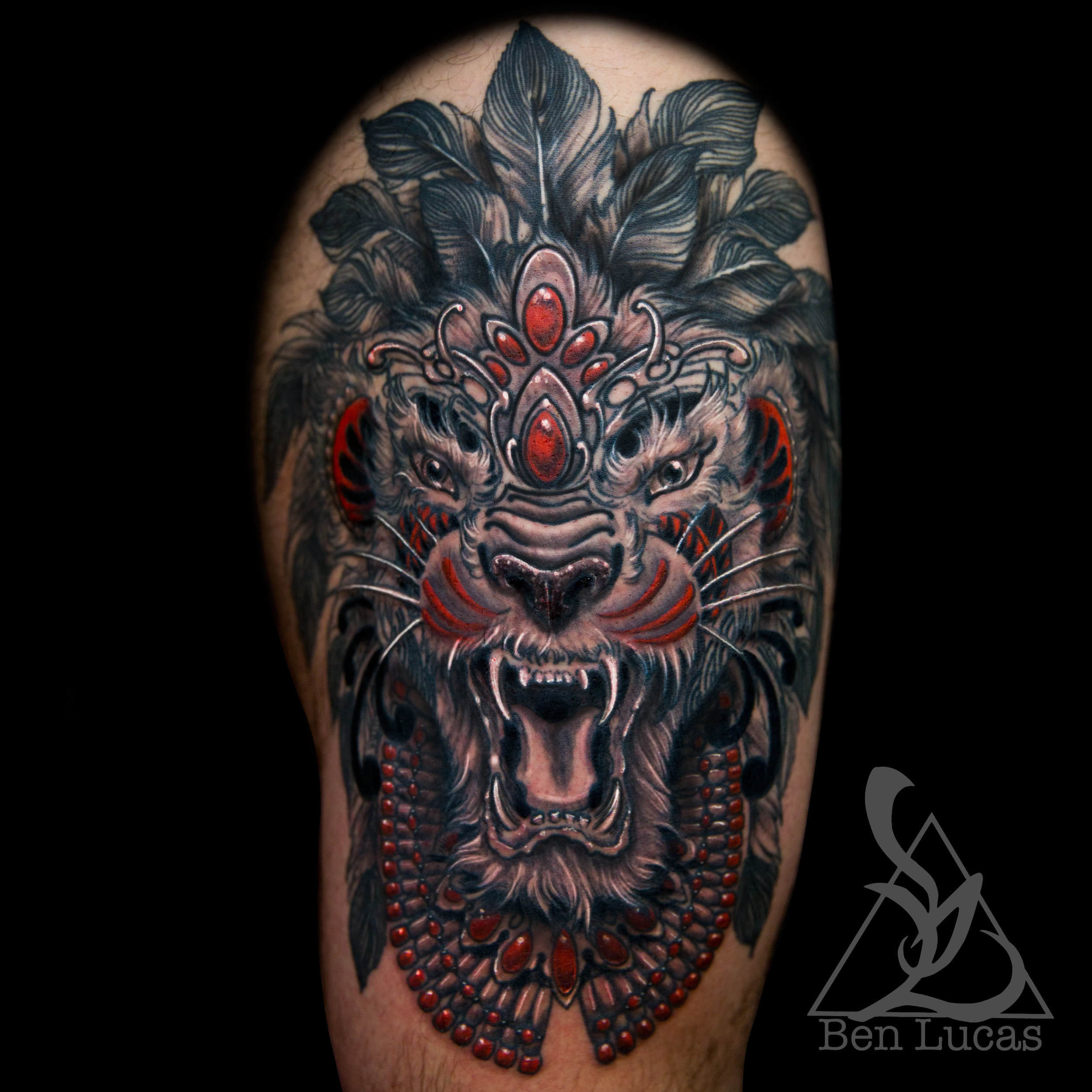 Erwin's  #tribal  #lion  #thightattoo that I finished up last week. It's so nice to be home a bit. Finally settling back in so I'll start posting again.