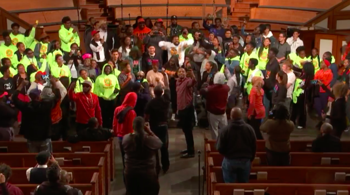LIVE FREE. Students and anti-gun violence activists sing together at the end of the event.