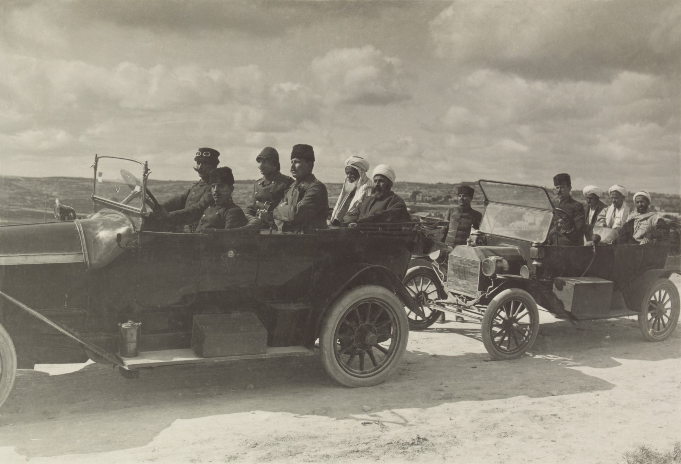 Yemeni Sheikhs visit the front as guests of Cemal Pasha.
