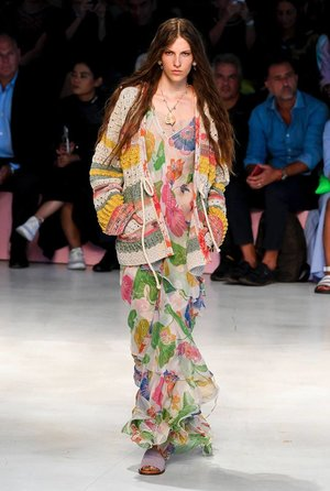 24f87c3563d88 For this spring collection, unveiled in a week when Etro, in celebration of  its 50th birthday, is also putting on an exhibition at Milan's MUDEC  museum, ...